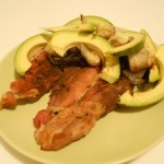 Carne la Cuptor Legume si Avocado