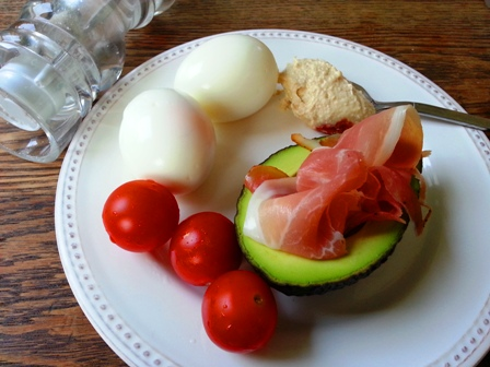 Mic Dejun Oua si Avocado