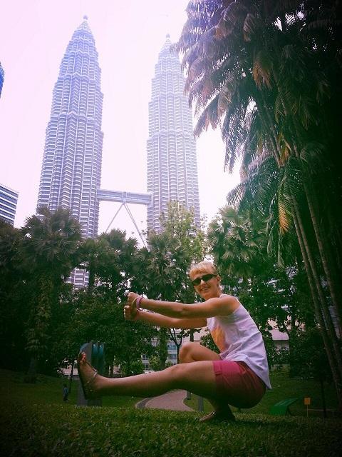 Pistol la Petronas